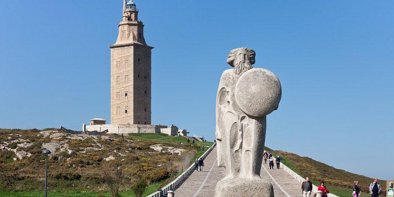 Estatua de Breogán y Torre de Hércules